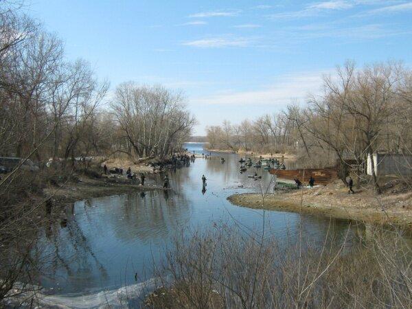 Каждый рыбак Запорожья знает это место. Одно из любимых рыболовных мест в Запорожье.