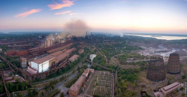 Панорама индустриального комплекса нашего города с высоты 150 метров над поверхностью земли.