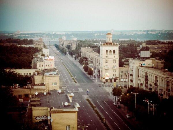 Пустой проспект Ленина с высоты