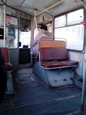 Старые и страшные, полуразрушенные троллейбусы Запорожья
