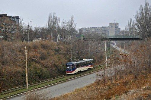 Единственный трамвай модели К1 областного центра (3 декабря 2011 года).