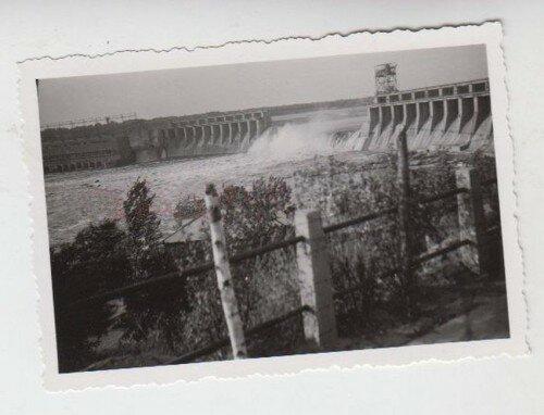 Взорванный ДнепроГЭС (1941 - 1942 года), фотографии