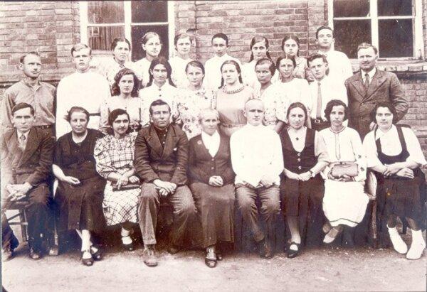Хортица, выпускники средней школы, 1944 год