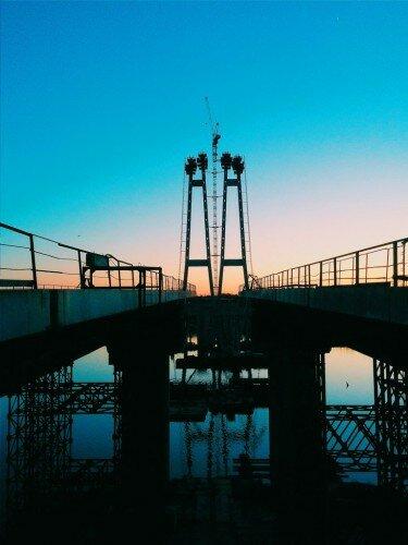 Пилоны новых запорожских мостов