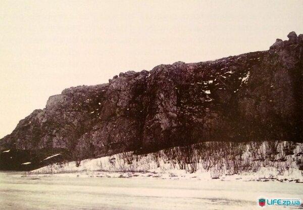 Северная часть Хортицы, скала Высшая Голова