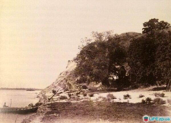 Северо-восточная часть Хортицы, Совутина скала. Фото из коллекции Я. Новицкого.