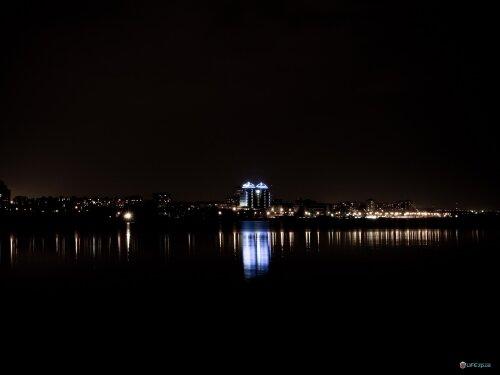 Ночной Днепр с видом на Sheraton и набережную