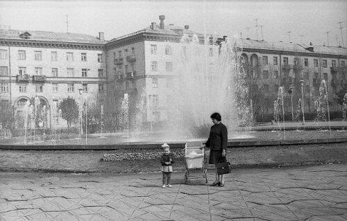 Площадь Театральная в 60-е годы (1969 год)