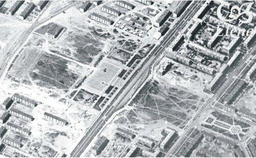 Этот пустырь слева - будущая пл.Октябрьская, пустырь справа - будущее здание облгосадминистрации, внизу справа - пл. Профсоюзов.