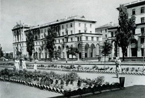 Жилые дома в квартале 72 (арх. Г.Вегман) - 1952 год.