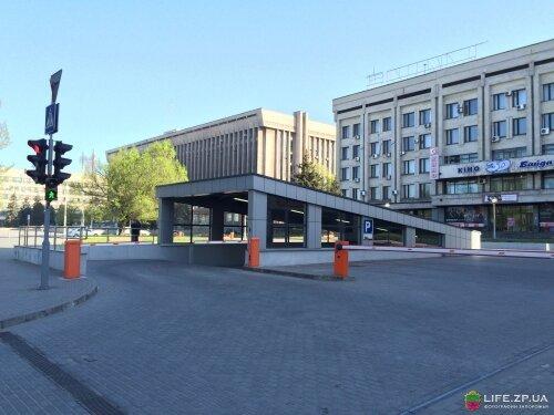 Подземная парковка на 92 автомобиля «ECO Tower»