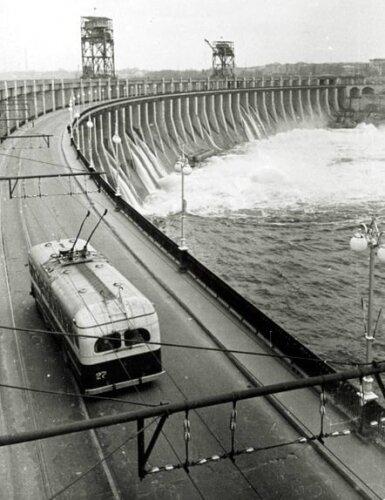 ДнепроГЭС в 1958 году