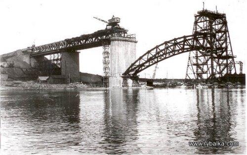 Стротельство инфраструктуры и мостов ДнепроГЭС