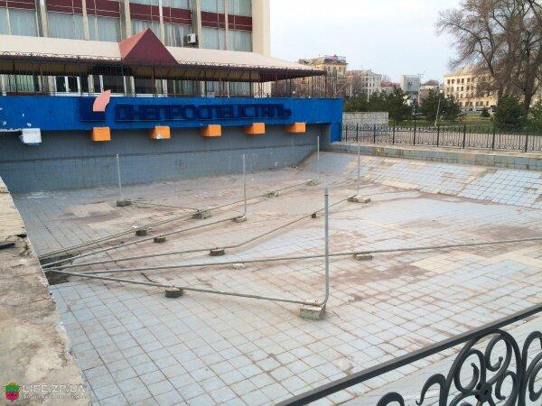 Технический бассейн-градирня и фонтан ДК «Днепроспецсталь»