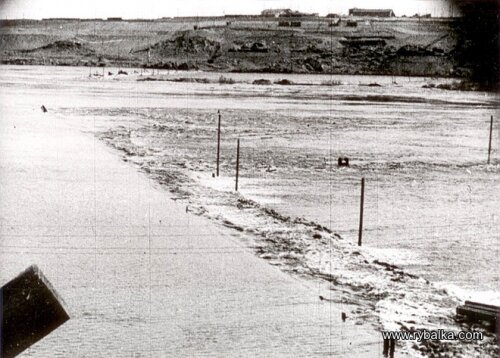 Вид затопленной площадки строительства ДнепроГЭС, 1926 год