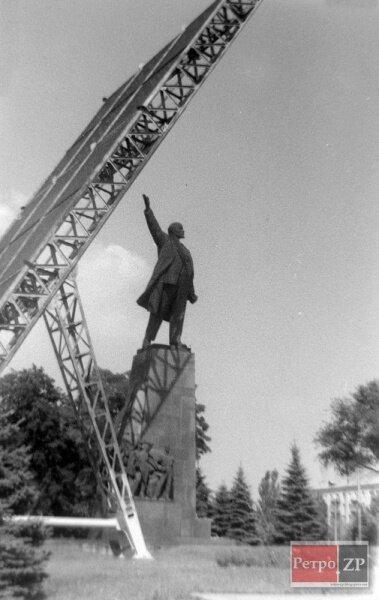 70-е годы прошлого века. Идет строительство Днепрогэс-2 и нового шлюза.
