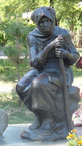 Памятник «Скорбящей матери»