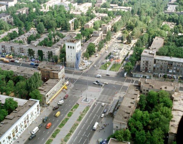 Пересечение проспектов Ленина и Металлургов с высоты птичьего полета