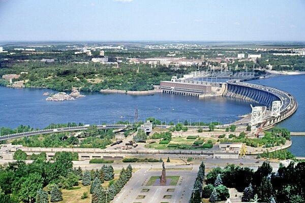 Площадь Ленина и плотина ДнепроГЭС с высоты