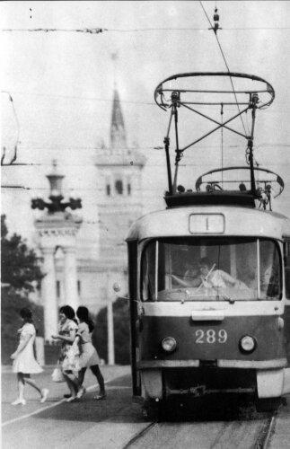 Трамвай на проспекте Ленина, 1982 год