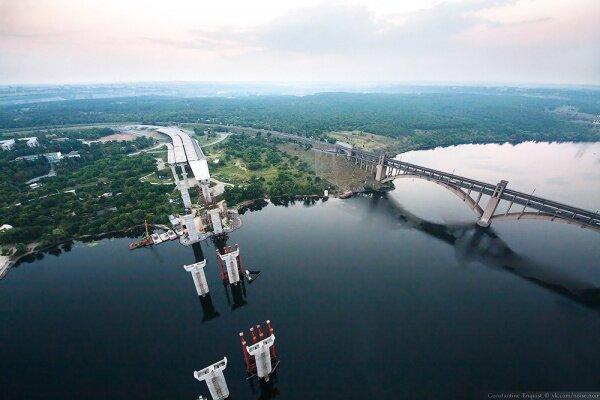Вид на строительство новой развязки мостов с высоты