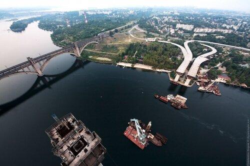 Вид с новых мостов на город