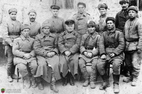 Выдающиеся люди, которые восстанавливали и возможно учавствовали в разминировании плотины ДнепроГЭСа. Нижний ряд, крайний слева - Козырев В.И.