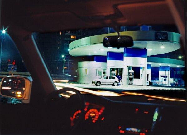 Заправка автомобиля на АЗС ТНК ночью