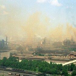 Запорожские металлургические заводы загрязняют и отравляют воздух