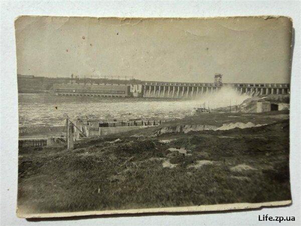 Фотография плотины ДнепроГЭС - 1 мая 1936 года