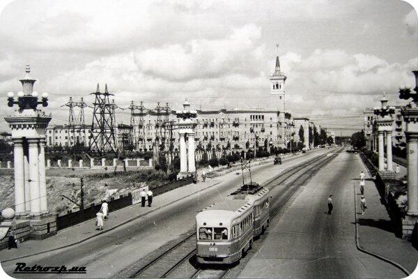 Проспект Ленина с трамваем