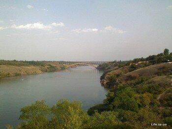 Вид на Малый мост Преображенского с левого берега Днепра