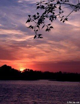 Закат на реке Днепр