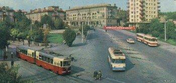 "Троллейбус ""Киев-2"" и трамвай КТМ-2/КТП-2, а так же старый автобус ""Икарус-180""."