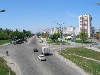 "Перекресток: прямо и вправо - 15 микрорайон, Влево - комбинат ""Славутич"""