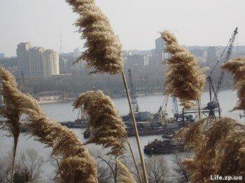 Вид на город с Хортицы.