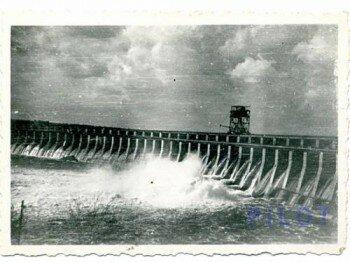 Восстановленный немцами ДнепроГЭС 1943 г.